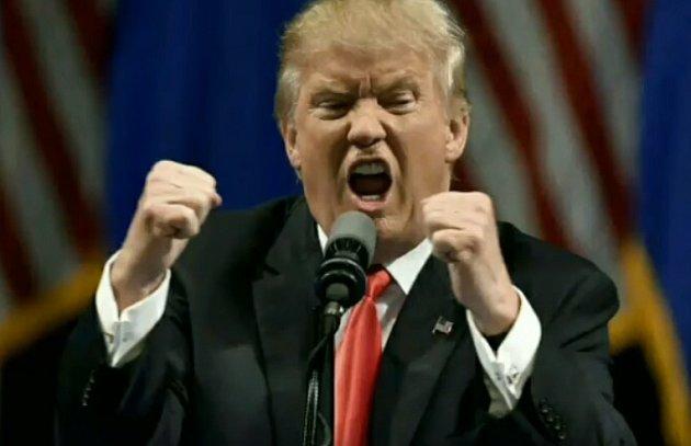 Donald Trump rozohněný při svém projevu.