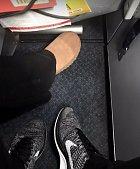 Cizí noha v mém prostoru...