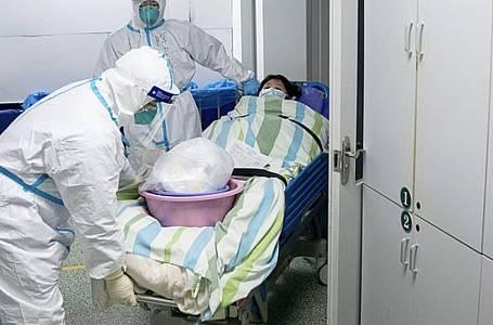 Koronavirus může i zabíjet - virus už si vyžádal téměř stovku obětí.