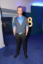 Roman Zach měří těžko uvěřitelných 207 centimetrů. Je to nejvyšší úspěšný herec v naší republice.