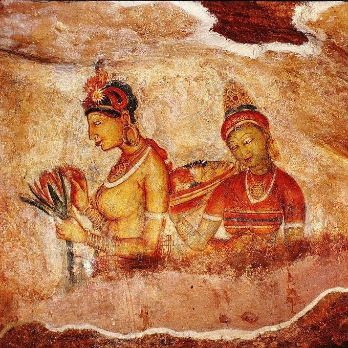Zbytky obrovské fresky plné nahých žen