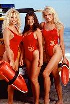 Pamela Anderson, Yasmine Bleeth a Gina Lee Nolin