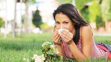 Až vás příště chytne senná rýma, jásejte – předejdete totiž rakovině!
