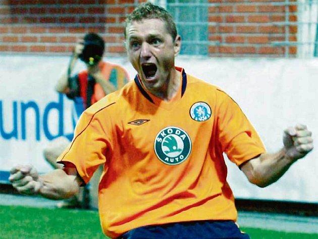 Luboš Pecka se v této sezoně radoval už z patnácti gólů.