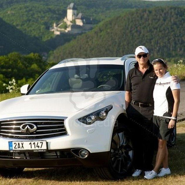 Jiří Korn má novou přítelkyni.
