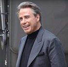 John Travolta... co říct o Johnu Travoltovi. Potřebuje John Travolta vůbec komentář? Dannyho hrál prostě John Travolta. TEN John Travolta a nikdo jiný než John Travolta. Dokázal toho opravdu hodně.