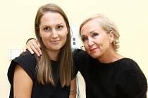 Bára Basiková s dcerou Aničkou