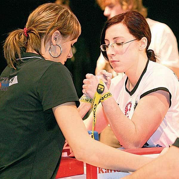 Sedmnáctiletá Markéta Vojtková z Troubek (vlevo) vybojovala dvě zlaté medaile.