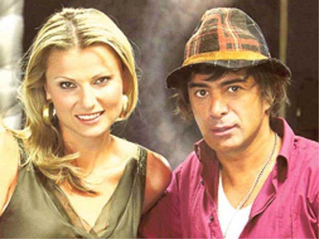 Moderátorské duo Kocurová a Tofi