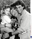 Poprvé se vdala za  Matta Lattanziho, snímž má dceru Chloe.