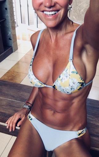 Na soutěži fitness holek by určitě zvítězila.