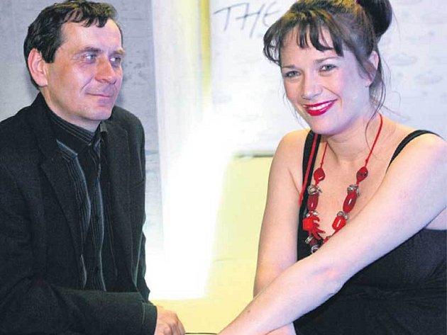 Petr Kracik má už pět dětí, proto mu přebalování nebude dělat problém.