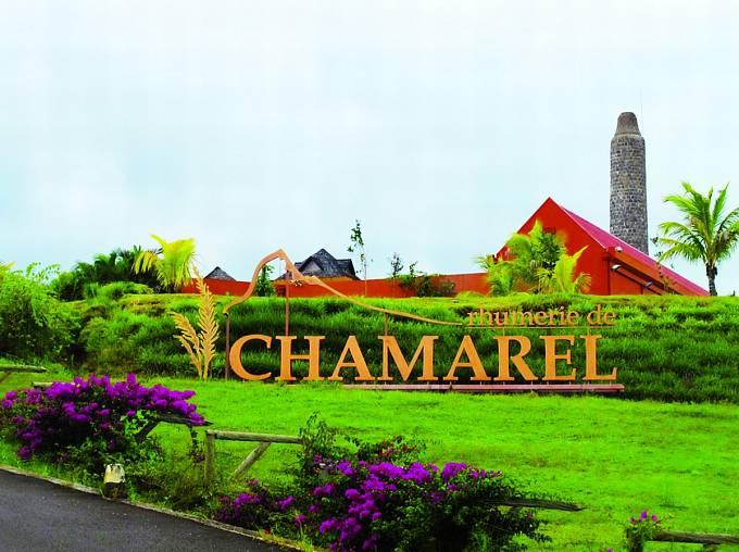 VChamarelu je ipalírna rumu. Další turistické lákadlo...
