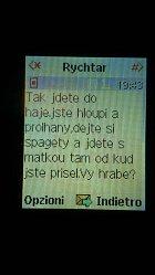 Přečtěte si sms od Josefa Rychtáře.