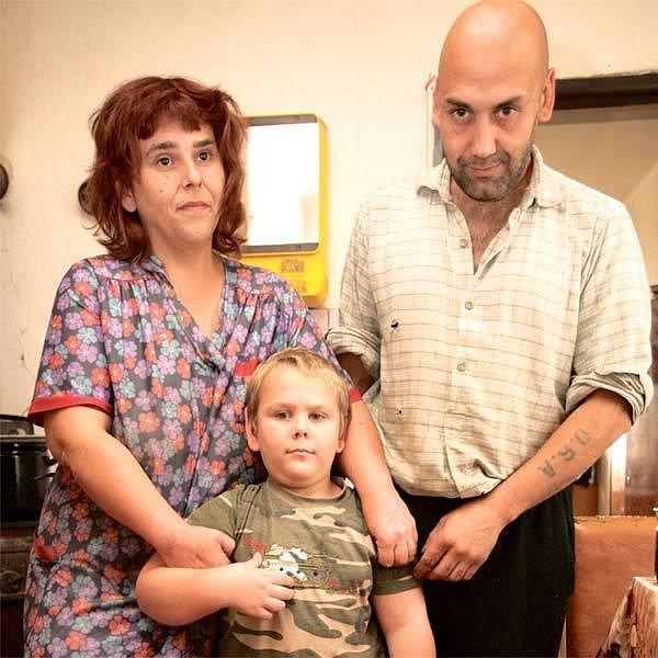 Rodina drží pohromadě. Malý Honzík prý na své rodiče nedá dopustit a je s nimi rád.