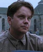 Hlavní postava celého filmu je Andy Dufersne, který je uvězněn za vraždu, kterou nespáchal. Dvacet let si kope tunel z vězení a kromě toho se přátelí s Redem, chlapíkem, co všechno sežene.