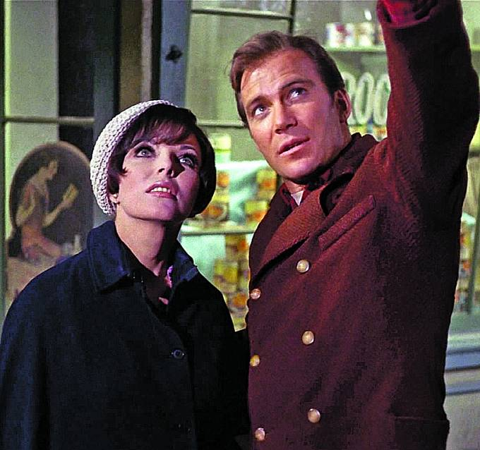 Po boku Williama Shatnera alias kapitána Kirka se objevila v seriálu Star Trek.