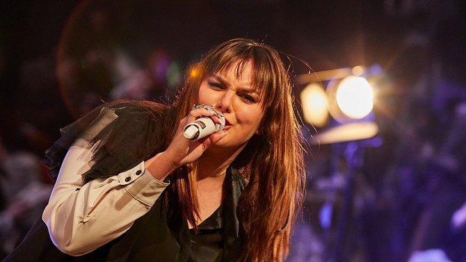 Ewa Farna je skvělá zpěvačka.