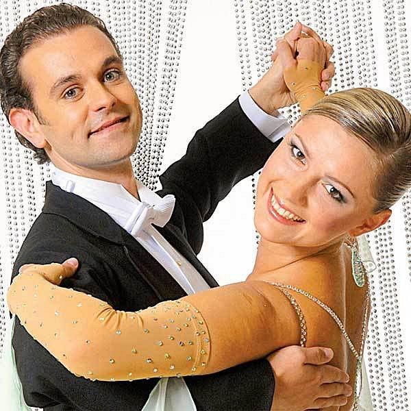 Jan Halíř, který ve StarDance tancoval sMonikou Žídkovou, byl obviněn zublížení na zdraví snásledkem smrti.
