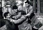 Klaus (vpravo) vněmeckém hororu Mstitel (1960).