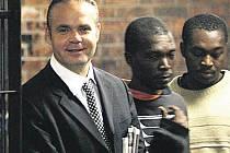První foto Radovana Krejčíře z jihoafrické věznice.