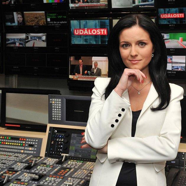 Moderátorka Aneta Savarová si z pomluv nic nedělá