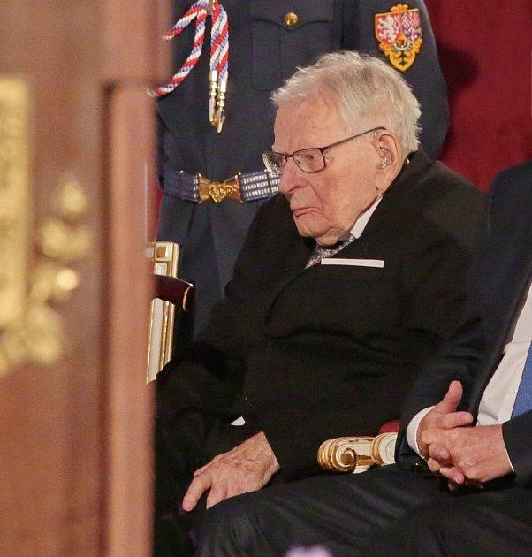 Letos mu prezident Miloš Zeman udělil státní vyznamenání.