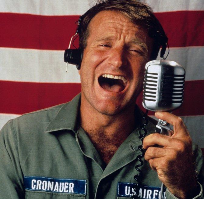 Zaroli svérázného moderátora vefilmu Dobré ráno, Vietname (1987) si vysloužil první oscarovou nominaci.