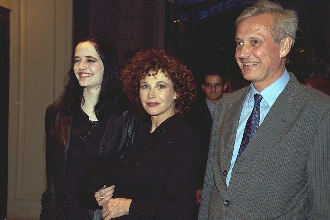 Marlène smanželem Walterem adcerou Evou napařížském filmovém festivalu vroce 1999.