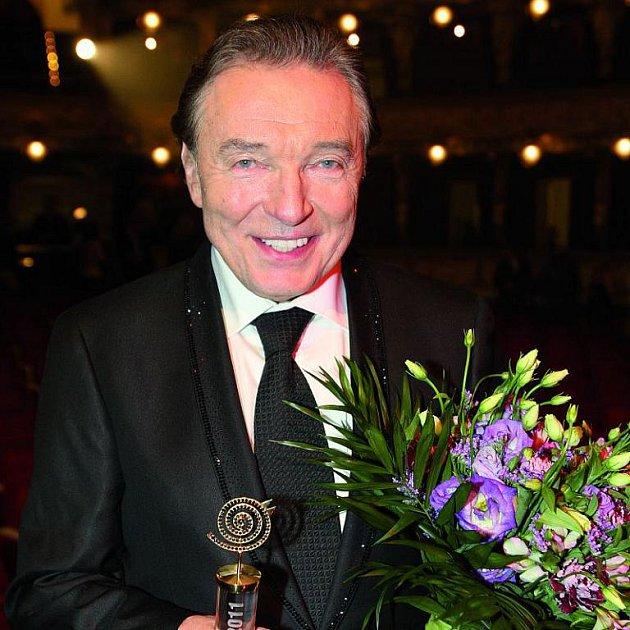 Karel Gott získal letos už 37. slavíka