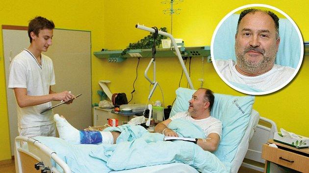 Michal David v nemocnici zůstane přibližně týden.