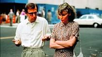 Woody Allen si sMiou zahrál vesvém filmu Hana ajejí sestry (1986).