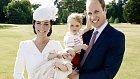Kompletní rodinka. Kate s Williamem, Georgem a Charlottou.
