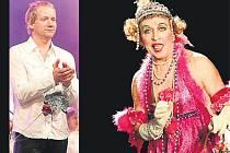 Mim Jaroslav Čejka jako stará dáma. V takových rolích se umělec opravdu vyžívá. V klipu se mihne i zpěvák David Koller (vlevo).