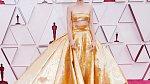 Carey Mulligan v šatech Valentino Haute Couture.