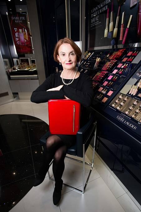 Eva Holubová se proměnila v modelku