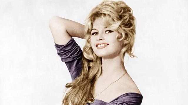 Brigitte na začátku 50. let. Tehdy ještě netušila, co všechno jí život přichystá.