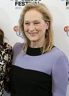 Meryl Streep si pečlivě střeží své soukromí a děti moc ukazovat nechce. Potomky má ale rovnou čtyři, přičemž čtvrtého přivedla na svět až v jednačtyřiceti letech. Tomu se říká touha po dalším.
