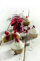 Pomerančové cupcakes s brusinkami