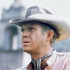 Díky westernu Sedm statečných (1960) se z něj stala hvězda.
