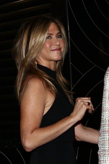 Jennifer Aniston chtěla Pitta objímat!