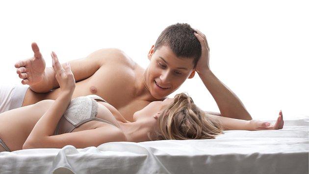 Průměrný muž prý řekne partnerce za rok 1092 lží. Žena se uchýlí k 728 nepravdám.