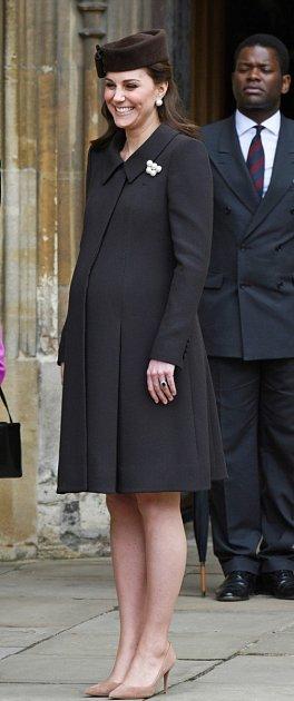 Vévodkyně zCambridge Kate Middleton přivede zanedlouho na svět již třetího potomka. Celý svět netrpělivě čeká na třetí princátko, které se má narodit každým dnem.