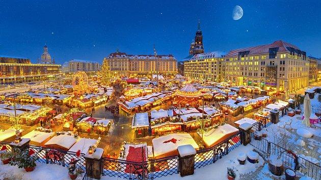 Náměstí Altmarkt je jakousi výstavní síní Drážďan.