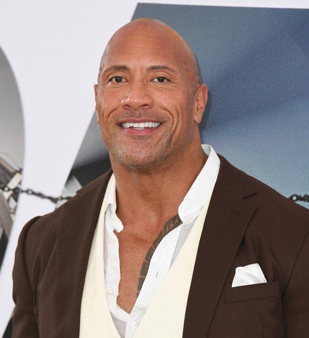 Dwayne Johnson zdolal skálu, na které ho čekala pohádková odměna 89.4 milionů dolarů (2 mld. kč)