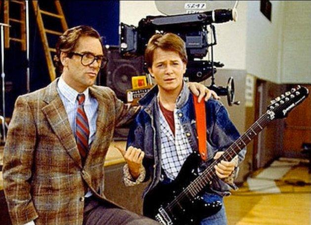Michael J. Fox skutečně na kytaru umí.