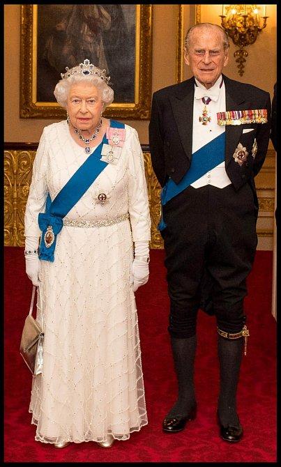 Zasnoubili se 9. června 1947 a svatba proběhla 20. listopadu téhož roku na Westminsterském opatství.