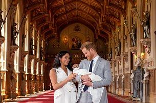 Meghan Markle s Princem Harrym nám poprvé představili svého potomka