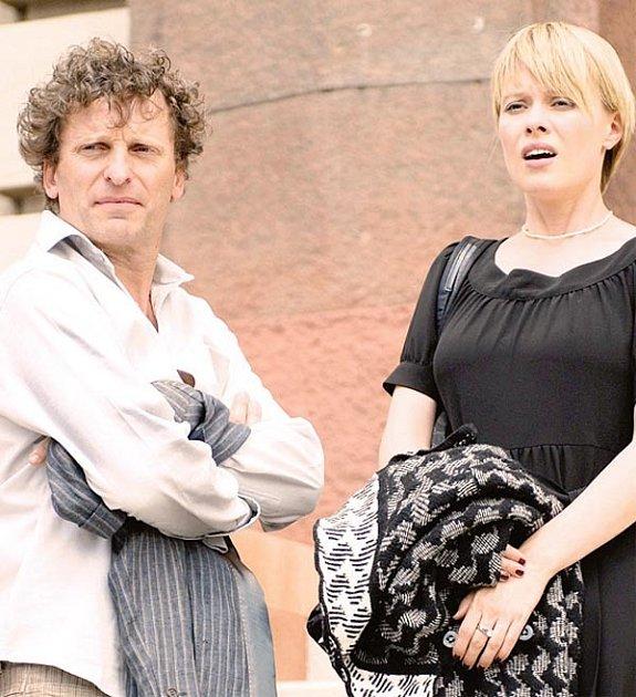 David Prachař a Linda Rybová vhlavních rolích filmu El Paso.