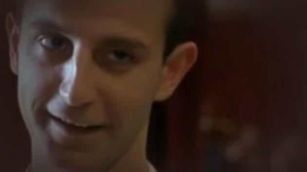 Všichni si herce pamatují jako Edu ze Šakalích let.